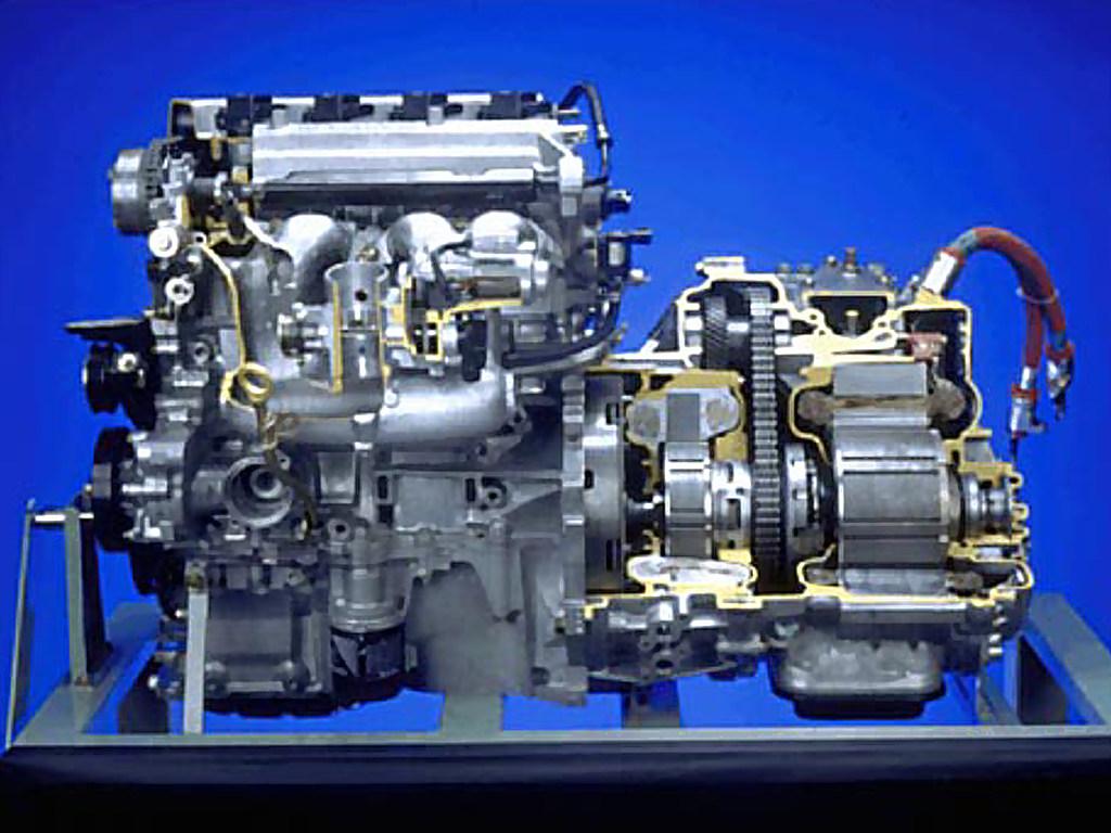 Prius Cutaway on 2004 Toyota Prius Engine